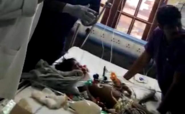 A Three Years Girl Pranathi Met Accident In Yadadri - Sakshi