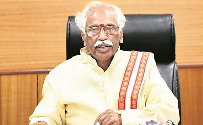 BJP MP Bandaru Dattatreya Slams KCR In Delhi - Sakshi