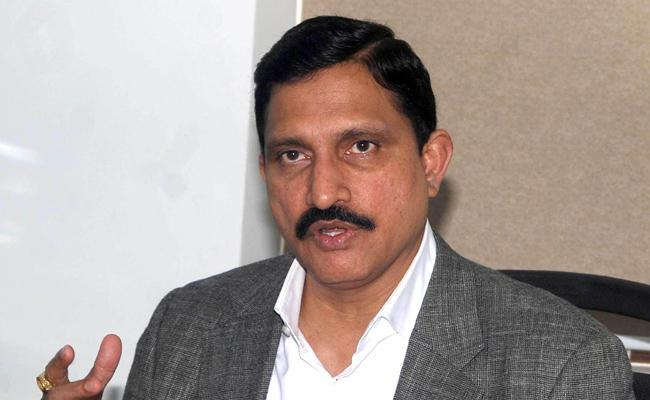 Cbi Rides on Sujana chowdary properties in Hyderabad - Sakshi