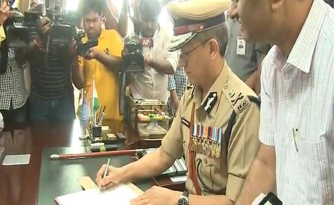 Gautam Sawan Takes Charge As Andhra Pradesh DGP - Sakshi