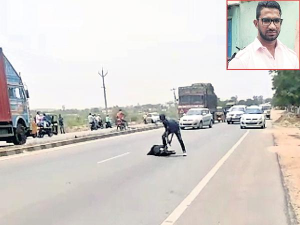 Brutal murder on the main road - Sakshi