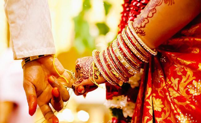 Muslim Man Act As Brahmin Married Hindu Woman Both Went Missing - Sakshi