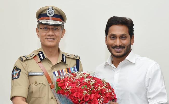 AP DGP Gautam Sawang Meets YS Jagan Mohan Reddy - Sakshi