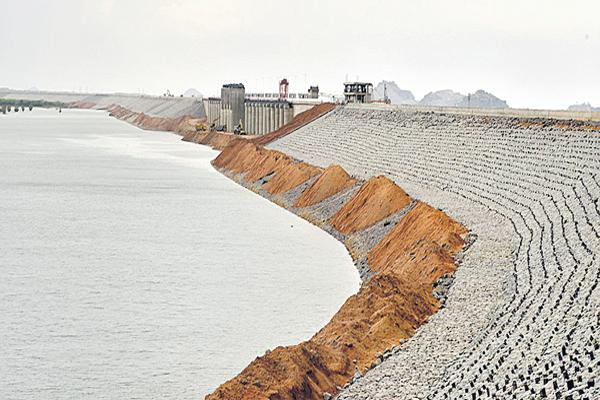 New issues raised in the Midmaneru Project - Sakshi