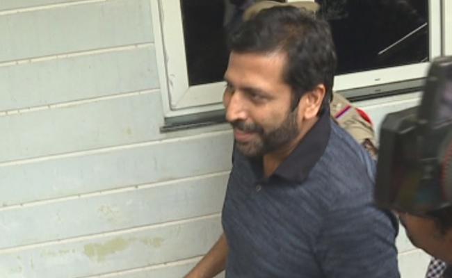 Telangana High Court Postponed TV9 Ex CEO Ravi Prakash Case Inquiry On Monday - Sakshi