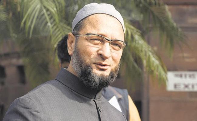 Rahul Gandhi won in Wayanad With Muslim Votes Says Owaisi - Sakshi