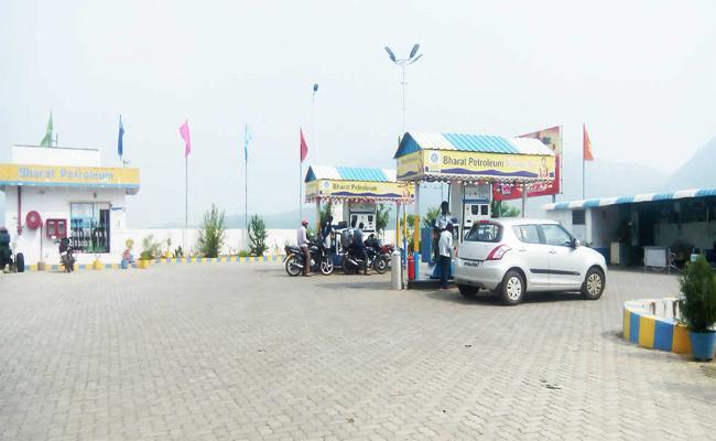 Fraud in Viziangaram Petrol Bunks - Sakshi