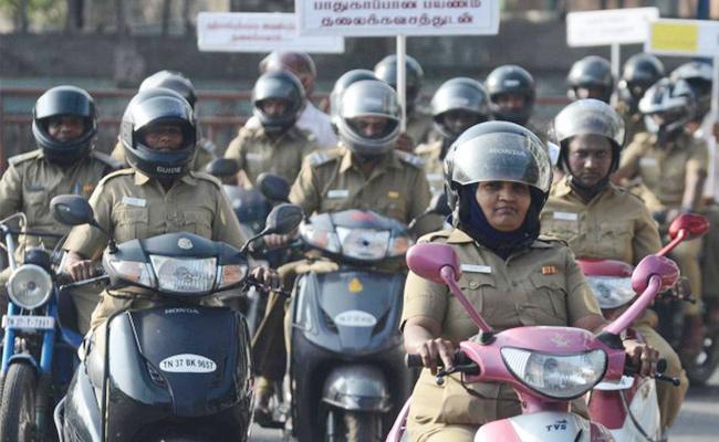 Chennai Police Commissioner Warning to Police Traffic Rules - Sakshi