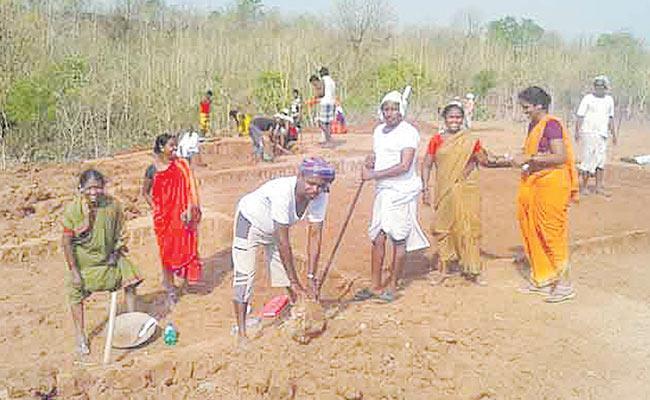 Upadhi Hamee Scheme Beneficiaries Are 42 Lakhs In Telangana - Sakshi