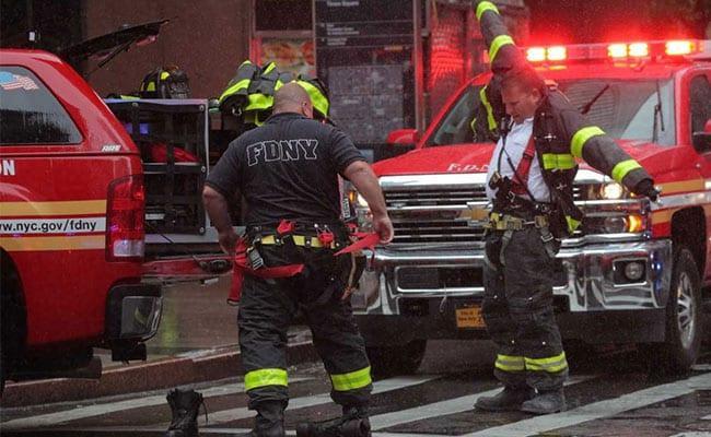 Helicopter Crashes on Roof of Manhattan Building  Killing Pilot - Sakshi
