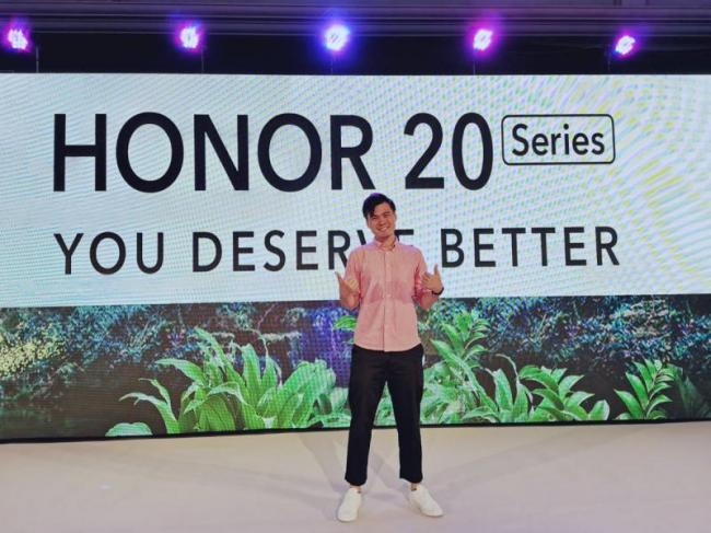 Honor 20 Pro Honor 20 and Honor 20i launched India - Sakshi