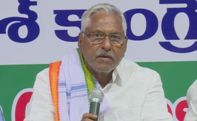 MLC Jeevan Reddy Applauds YS Jagan Schemes And Slams KCR Govt - Sakshi