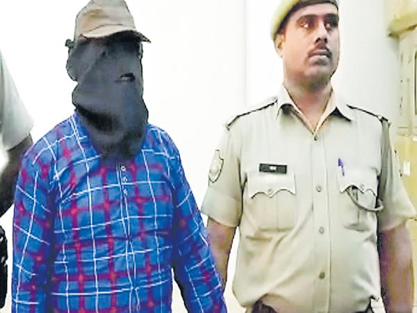 Gangster Ramchandra who was Caught to the Jaipur police - Sakshi