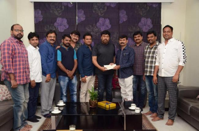 Film News Casters Assocition Of Electronic Media Members Meet With Chiranjeevi - Sakshi