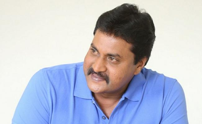 Sunil to Star in AndhaDhun Remake - Sakshi