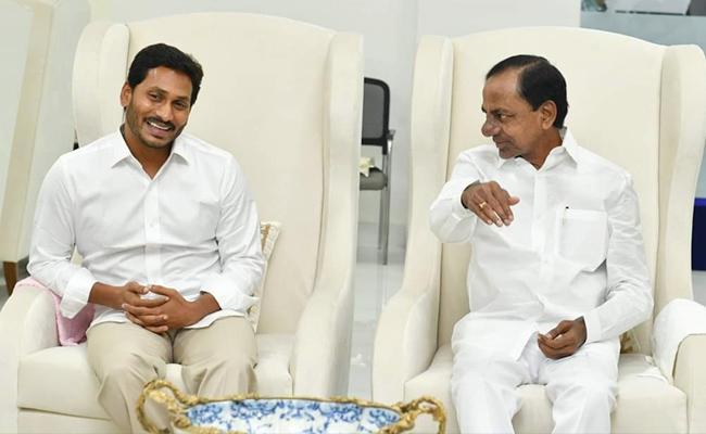 KCR To Invites YS Jagan As Chief Guest on Kaleshwaram Project Inauguration - Sakshi