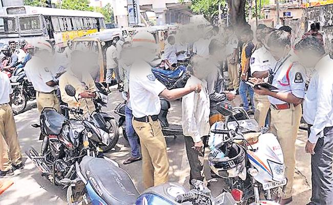 Hyderabad Traffic Police Suffering With Other State Vehicles - Sakshi