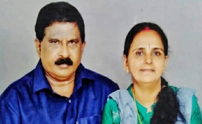Kerala Man Emotional Wishes To His Mother On Her Second Marriage - Sakshi