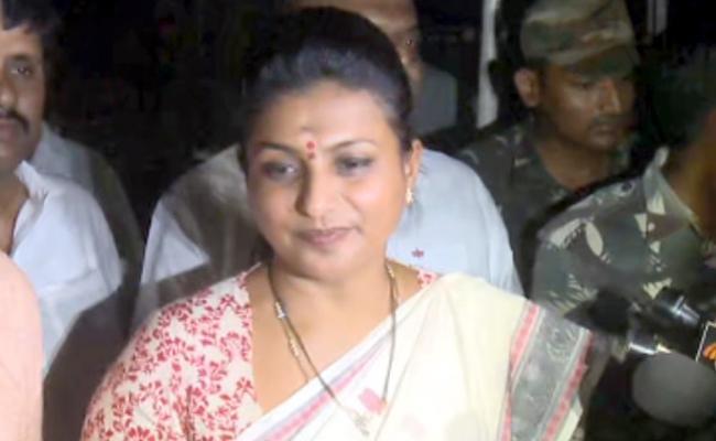 MLA Roja, Narayana Swamy Meets YS Jagan Mohan Reddy - Sakshi