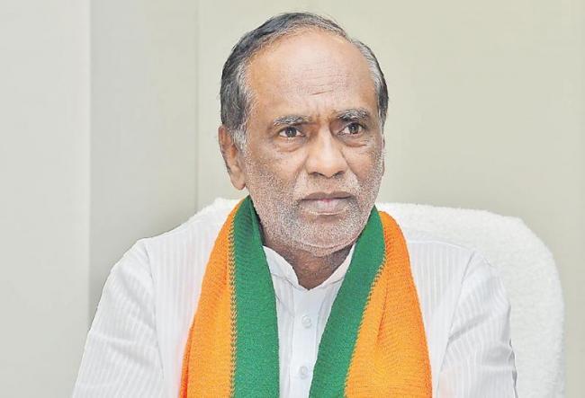 BJP President Laxman Slams CM KCR - Sakshi