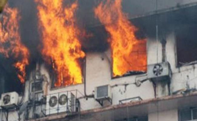 Fire Accident In Godowns In Kurnool District - Sakshi