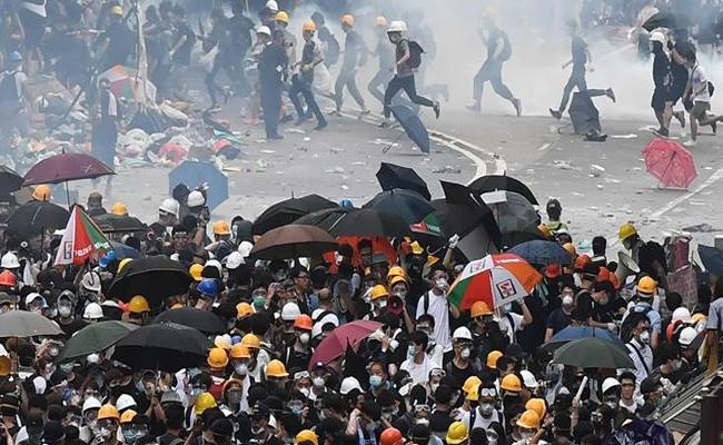 Hong kong Protests Over The Extradition Bill - Sakshi
