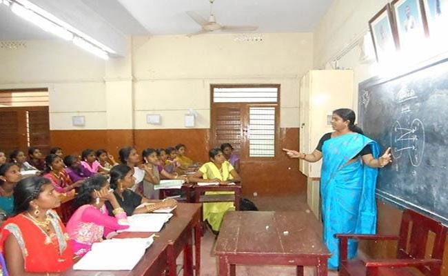 Govt Schools Closing In Telangana Government - Sakshi