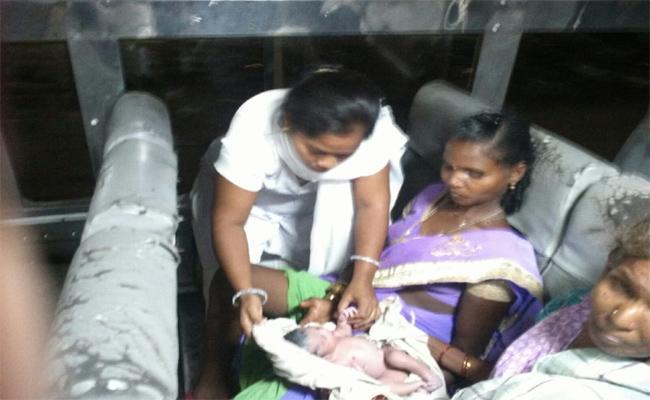 Women Gave Birth To Child With Help Of ANM's In Vijayanagaram - Sakshi