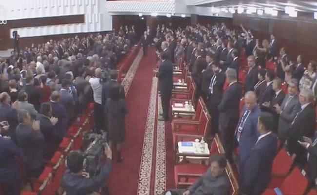 Imran Khan Diplomatic Blunder At Bishkek Netizens Cant Keep Calm - Sakshi