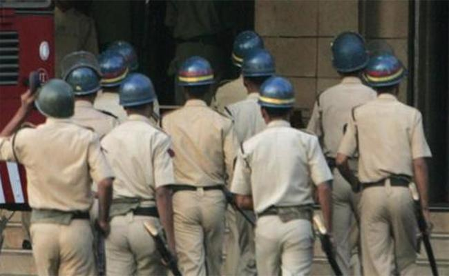 Bail  Grant To The Accused of Malegaon Bomb Explosion - Sakshi