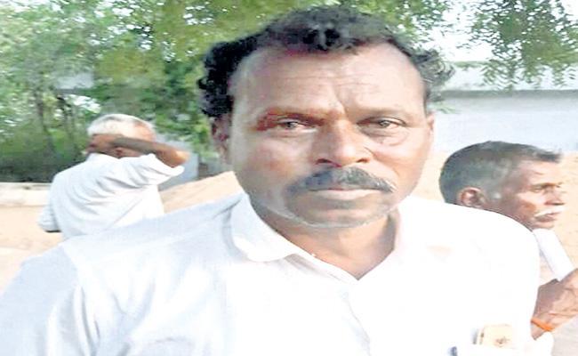 Farmer Suicide Attempt At MRO Office Rangareddy - Sakshi