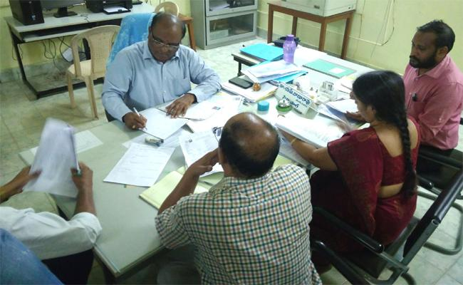 Huge Number Of Students Joining Degree Course In Srikakulam - Sakshi