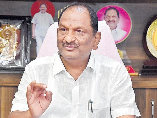 Minister Koppula Eshwar Praises KCR Over Gurukula Schools - Sakshi