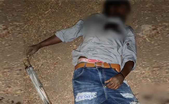 Rowdy Sheeter Encounter In Chennai - Sakshi