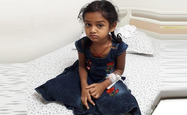 Singapore telugu samjam helps cancer patient Varenya - Sakshi