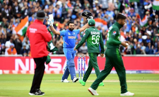 India Set Target Set Target of 337 Runs Against Pakistan - Sakshi