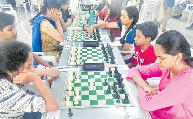 Harini Leads in Telangana Chess Tourney - Sakshi