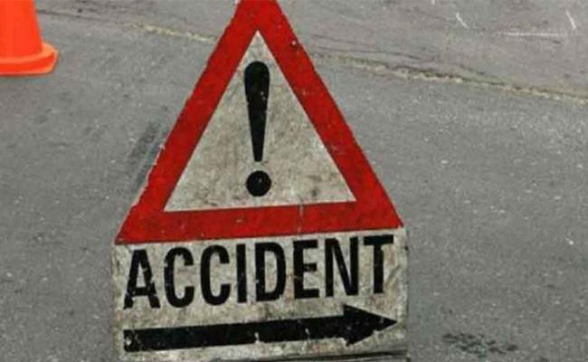 Bus Accident At Jangareddygudem In West Godavari - Sakshi