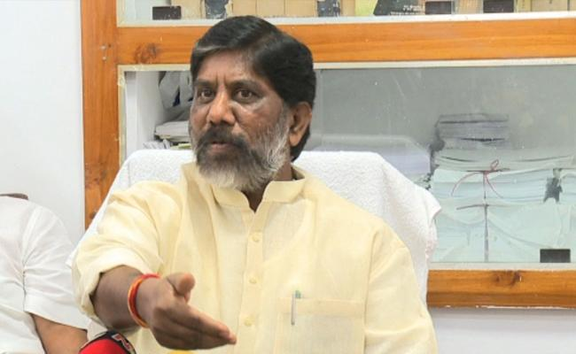 Bhatti Vikramarka Fires On TRS Government - Sakshi