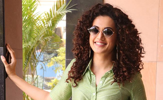 Taapsee Pannu In Game Over Promotions - Sakshi
