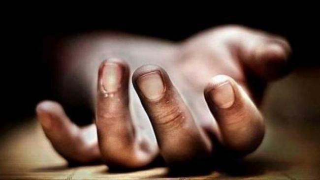 Charred Body Of Farmer Found In UPs Pratapgarh - Sakshi