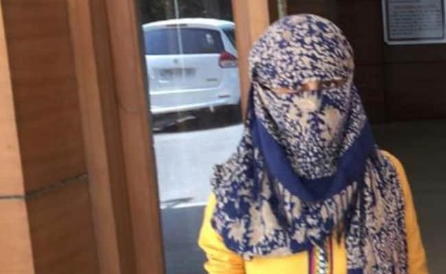 Delhi Woman Throws Acid On Boyfriend For Refusing To Marry Her - Sakshi