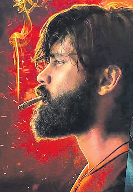 Dhruv Vikram's turn to play Arjun Reddy tamil remake - Sakshi