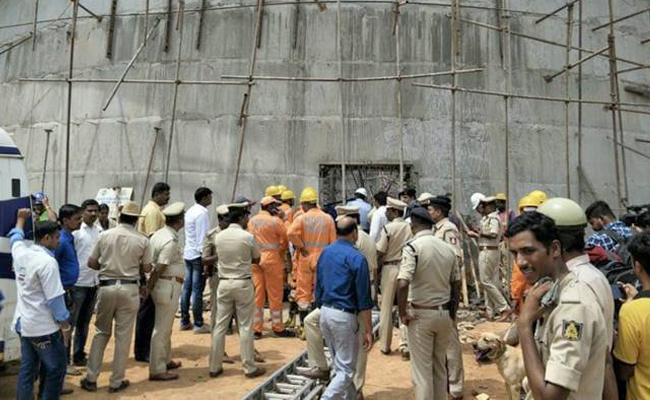 Three dead after under-construction water tank collapses in Bengaluru - Sakshi