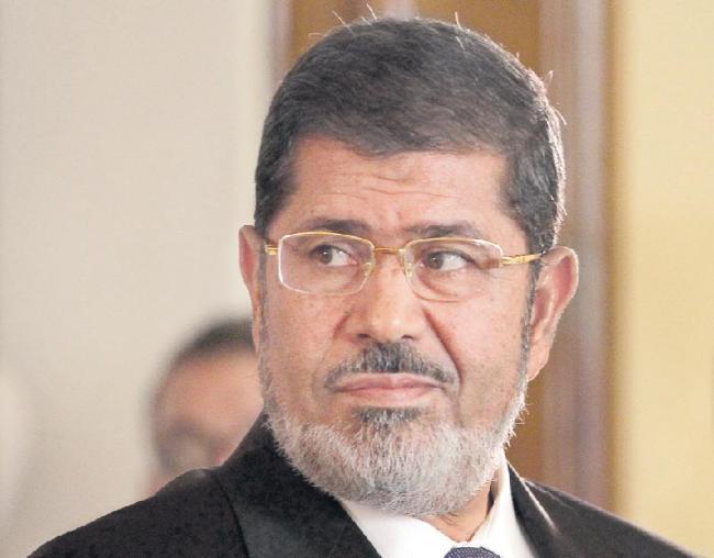 Egypt's ex-President Mohamed Morsi dies after court appearance - Sakshi