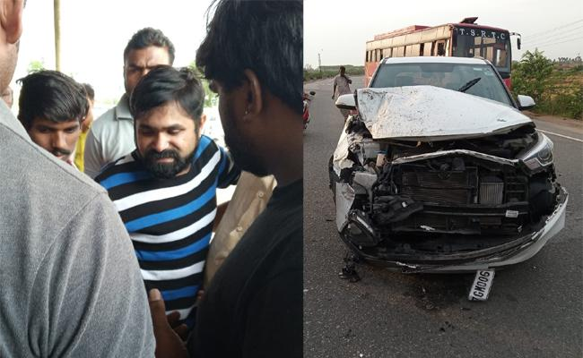 Chalaki Chanti Car Accident at Kodad - Sakshi