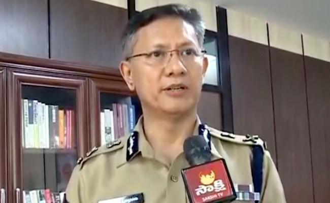 Gautam Sawang Praises Police weekly Offs - Sakshi