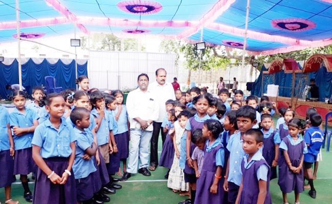 School Using As Function Hall By TDP Leaders In Visakapatnam - Sakshi