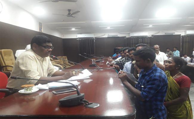 Tribal People Submitted Memorandum To ITDA  Officer In Srikakulam - Sakshi