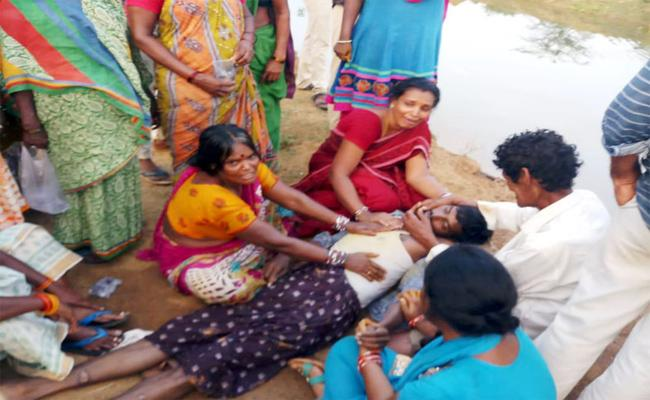 Person Accidentally Slips Into Canal And Died In Chipurupalli - Sakshi
